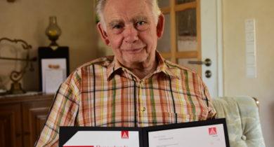 Gerhard Mensing aus Rhede feiert 70jährige Mitgliedschaft in der IG Metall